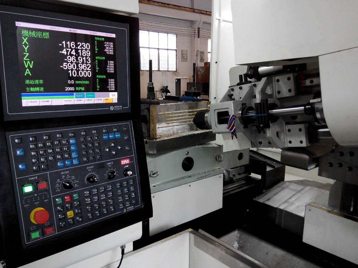 耐斯机械与您分享五轴深孔钻A轴水平度检验方法